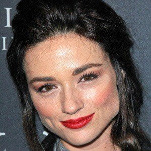 Crystal Reed picture
