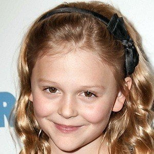Emily Alyn Lind picture
