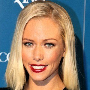 Kendra Wilkinson picture