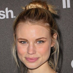 Lucy Fry picture