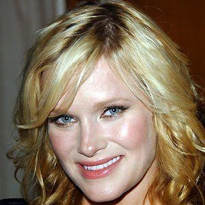 Nicholle Tom picture