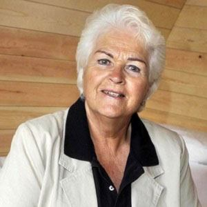 Pam St. Clement picture
