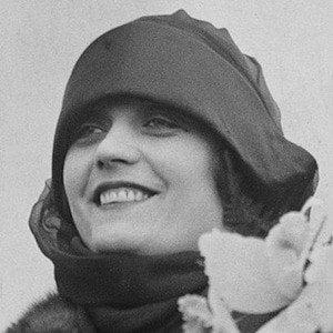 Pola Negri picture