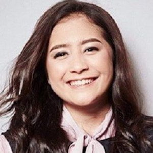 Prilly Latuconsina picture