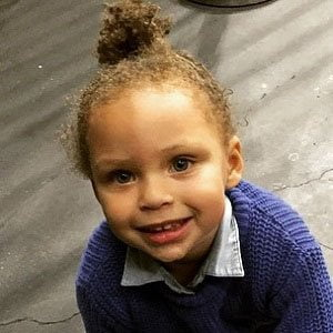 Riley Curry picture