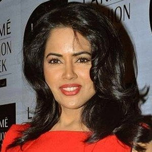 Sameera Reddy picture