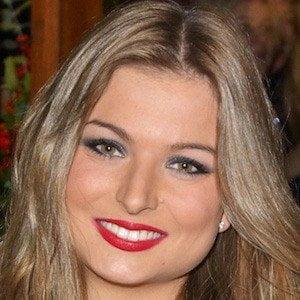 Zara Holland picture